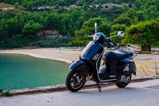 Combien coûte la location d'un scooter à Saint Tropez ?